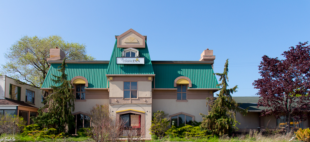 Prudhomme's Landing Inn and  Water Park Wet 'N' Wild